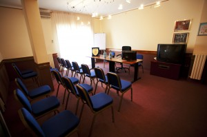 Hotel close to Pomigliano d'Arco with conference room
